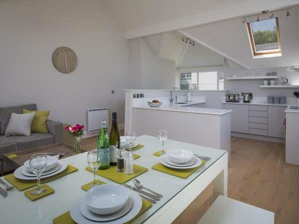 3 New Barn, Hillfield Village in Devon