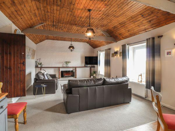 Sea View Apartment at The Colliers Arms, Pwll in Dyfed