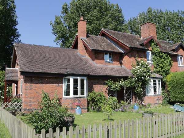 1 Cambria Cottages in Herefordshire