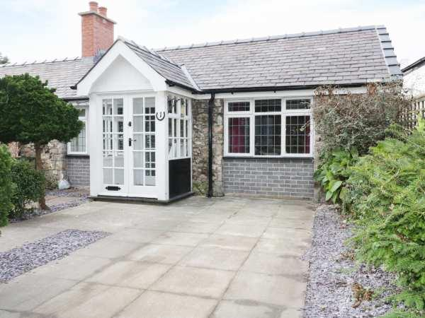 1 New Inn Terrace from Sykes Holiday Cottages