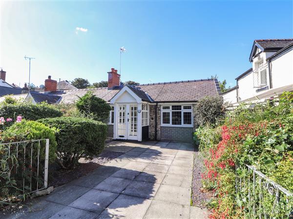 1 New Inn Terrace in Denbighshire
