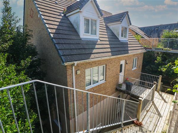 1 Woodside Place in Devon