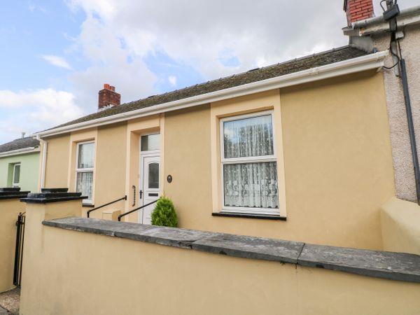11 Llanion Cottages in Pembroke Dock, Dyfed