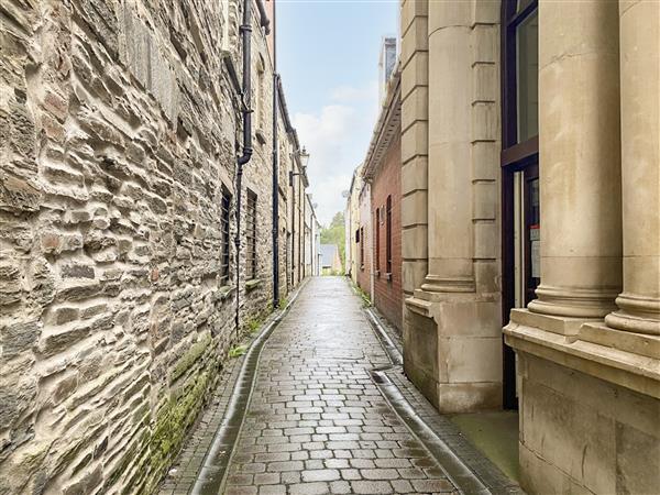 18 Ebens Lane, Cardigan