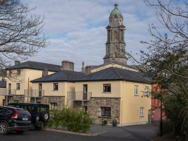 1B Cathedral View Apartments, Longford