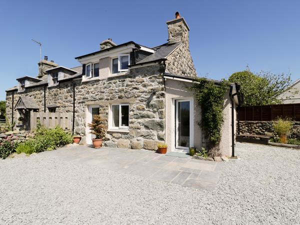 2 Borthwen Cottages in Gwynedd