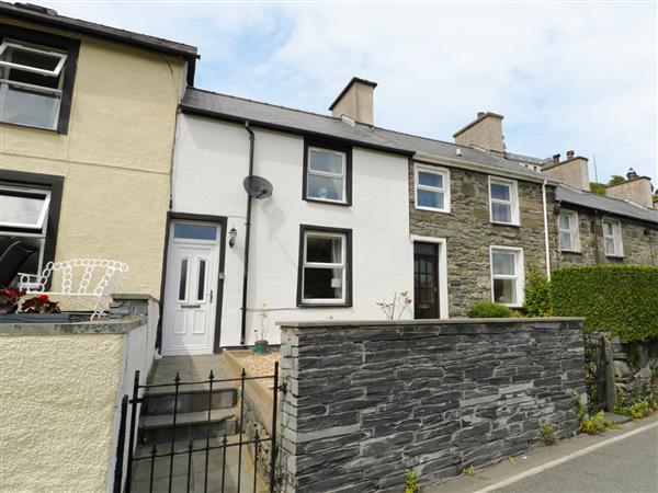 2 Holland Terrace in Gwynedd
