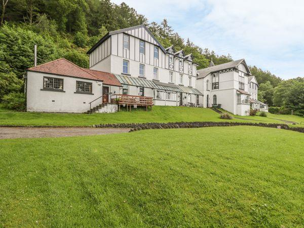 2 Kilmun Court from Sykes Holiday Cottages