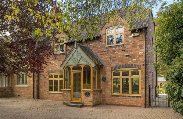 2 The School House in Warwickshire