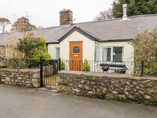 2 Tyn Lon Cottages in Gwynedd