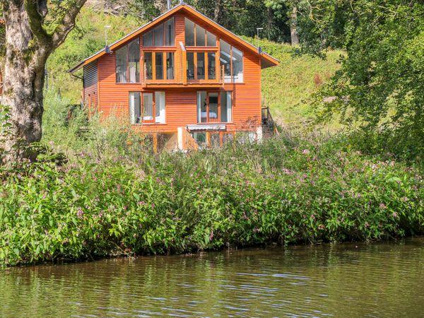 2 Waterside Lodges in West Yorkshire