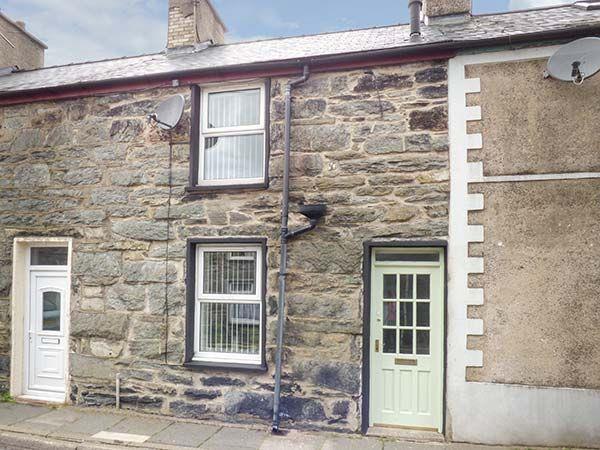20 Glynllifon Street in Gwynedd