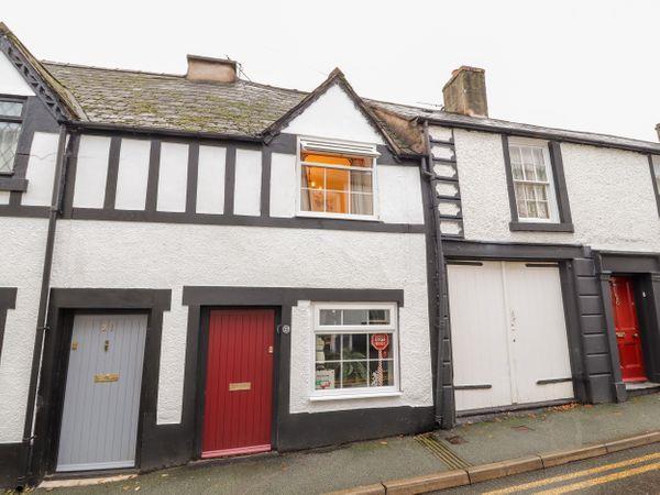 23 Church Street in Denbighshire