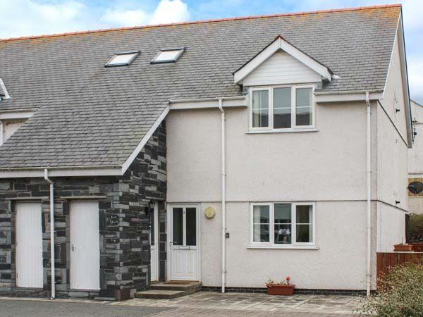 3 Bryn Eglwys in Gwynedd