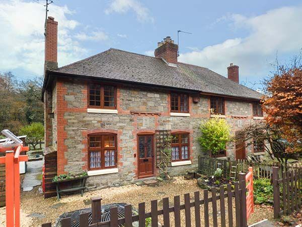3 Crown Cottages in Gloucestershire
