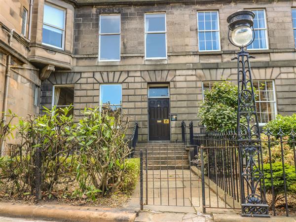 3 Lynedoch Place in Midlothian