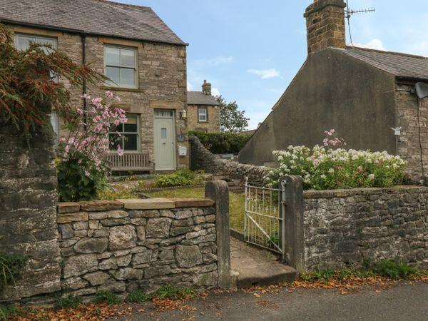 4 Cherry Tree Cottages in Bradwell, Derbyshire