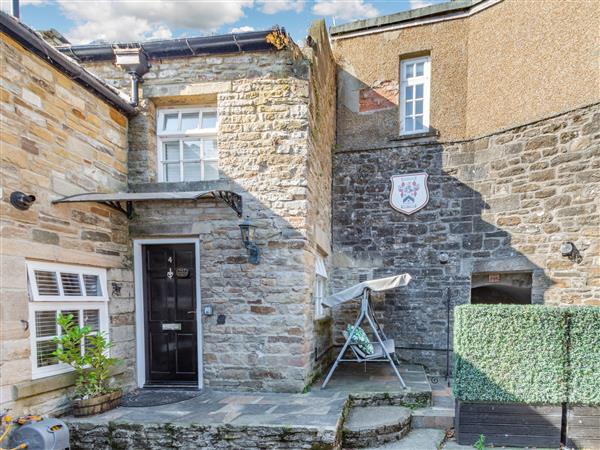 4 Stanhope Castle Mews in Durham