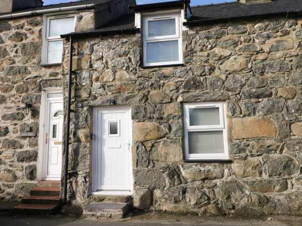 5 Glan Y Wern Terrace in Gwynedd