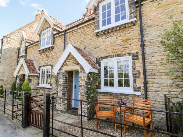 5 Pond View Cottages in North Humberside