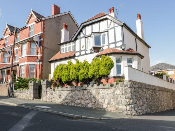5 Sea Bank Road, Colwyn Bay