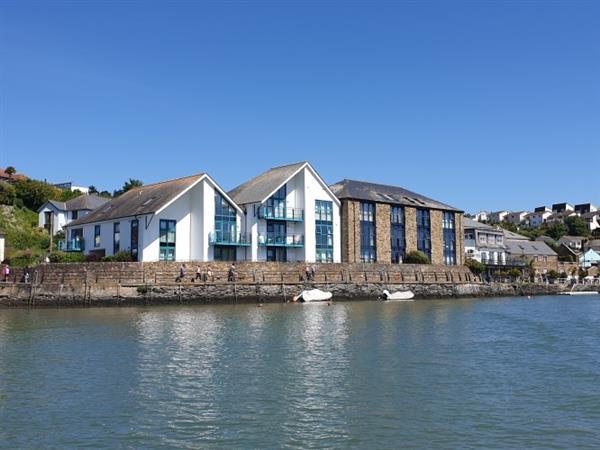 6 Crabshell Quay,