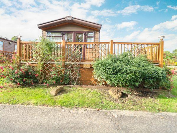 6 Lakeview,