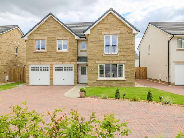 6 Whitecraigs Crescent in Lanarkshire