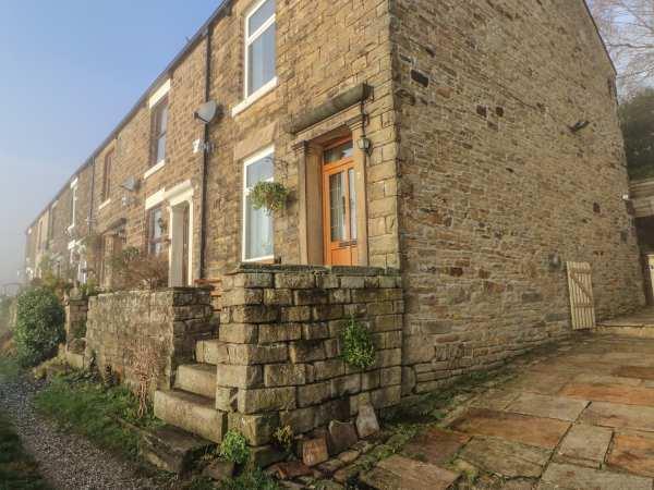 7 Bank Cottages in Derbyshire