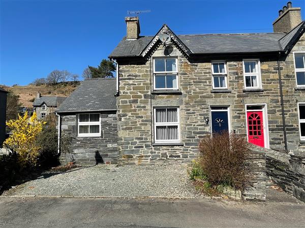 7 Castle Terrace in Gwynedd