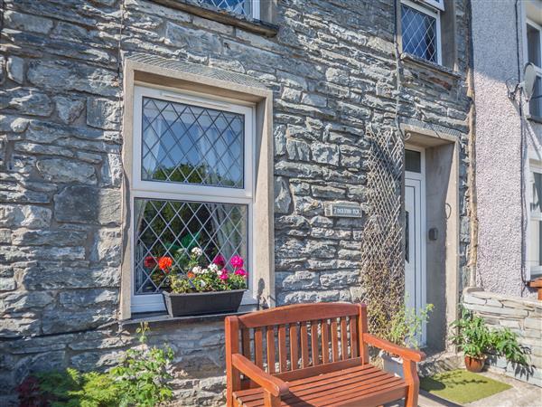 7 Dolydd Terrace in Gwynedd
