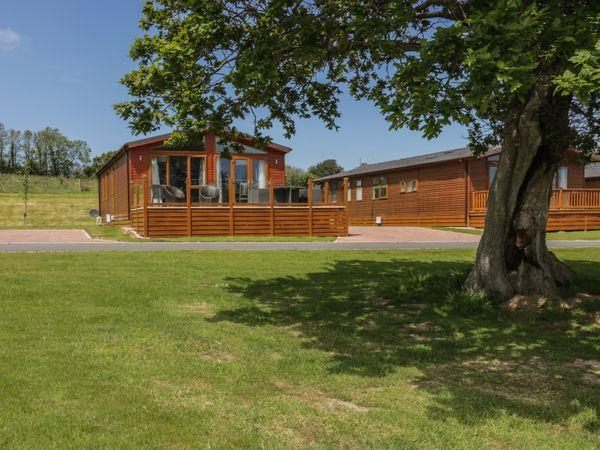 716 Nelsons Lake in Cornwall