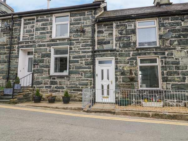 8 Pen Y Garreg in Gwynedd