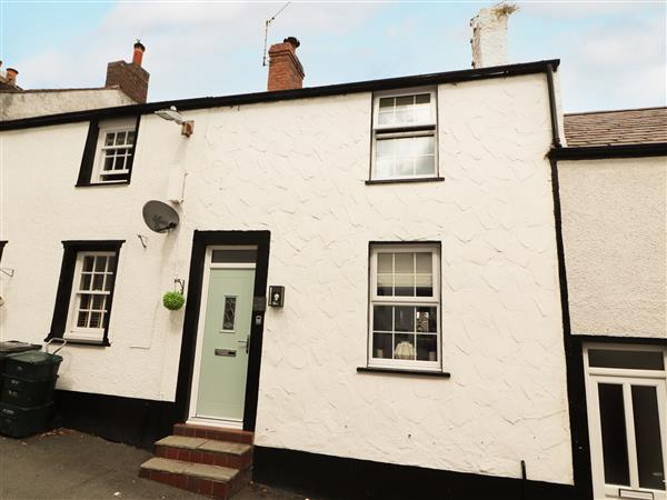 8 Watkin Street in Gwynedd