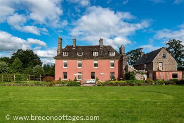 Abercynrig House in Powys