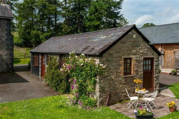 Aberyscir Coach House in Powys