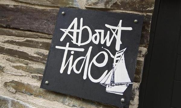 About Tide in Dartmouth, Devon