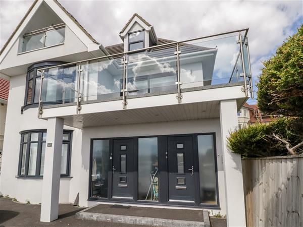 Apartment 3 in Southbourne, Dorset