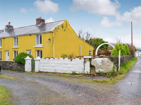 Apple Cottage in Dyfed