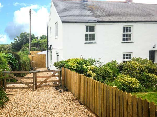 Appledore Cottage in Skinners Bottom near Porthtowan, Cornwall