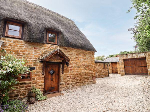 April Cottage in Oxfordshire