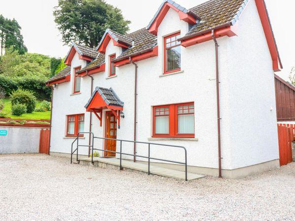 Ardlinnhe Cottage in Inverness-Shire