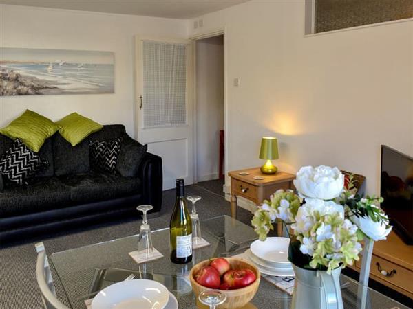 Atherton Apartments - Lawn Side in Devon