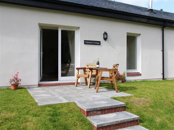 Auchendennan - Chestnut Cottage in Dumbartonshire