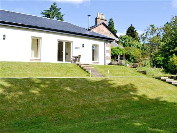 Auchendennan - Ivy Cottage in Dumbartonshire