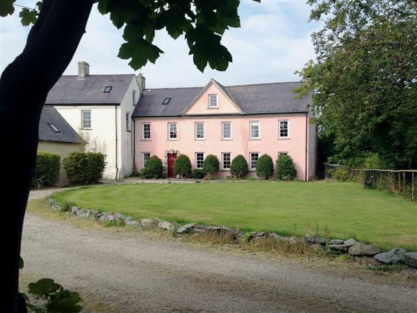 Ballymagyr Castle Holiday Cottages - Cottage 2 in Wexford