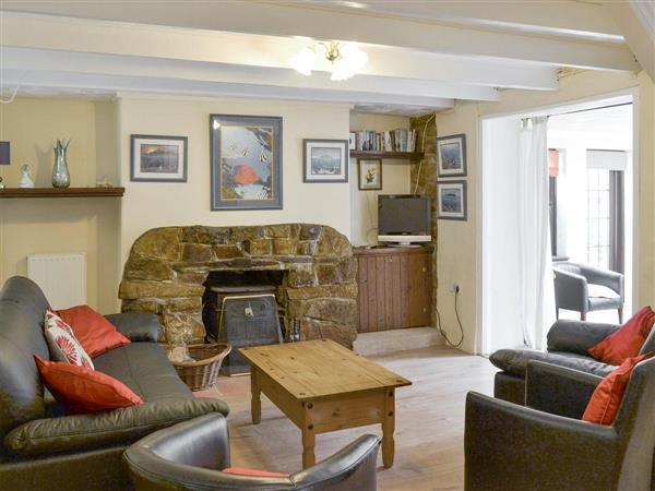 Bannsvale Farm Holiday Cottages - Bannsvale Farmhouse in Cornwall