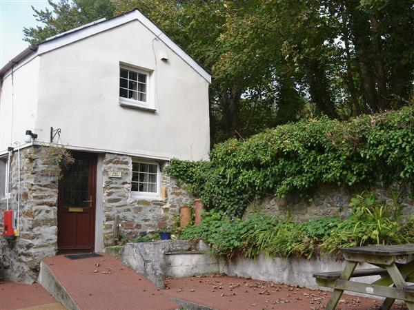 Bannsvale Farm Holiday Cottages - The Barn in Cornwall