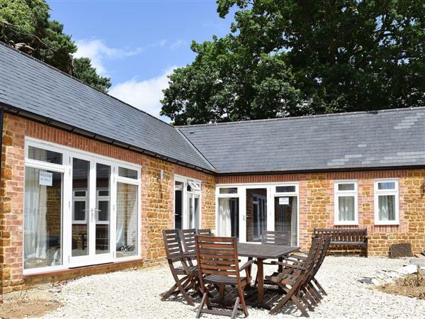 Bay Tree Cottage Accommodation - Foragers Cottage in Northamptonshire