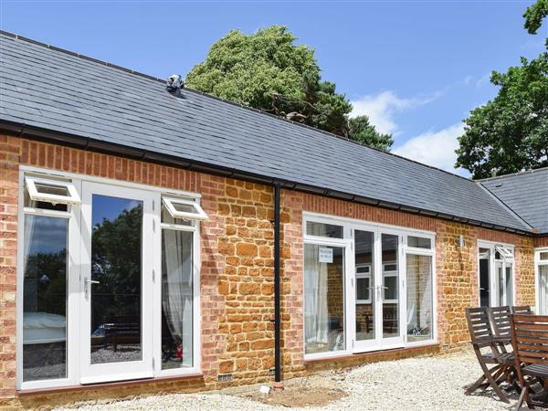Bay Tree Cottage Accommodation - Weavers Retreat in Northamptonshire